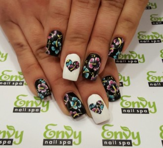 flower nail design,heart