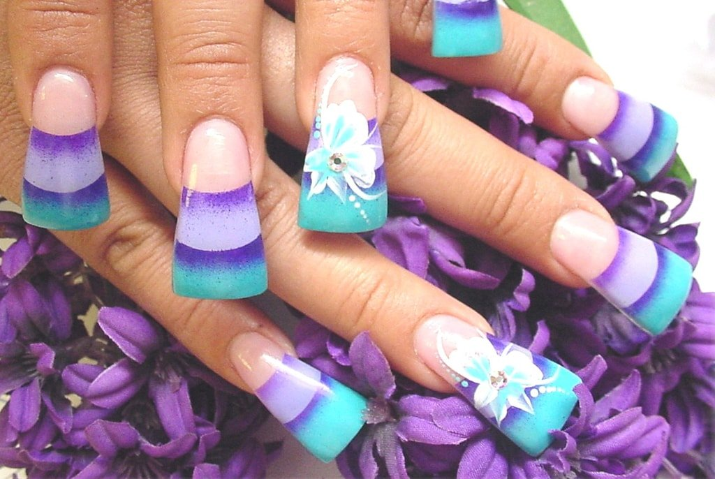 How many different types of artificial nails out there?